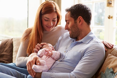 Durante el primer mes de vida del bebé este duerme casi todo el tiempo.