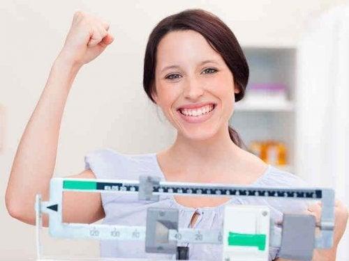 Conseguir el peso ideal para quedarse embarazada es posible con la guía de los profesionales adecuados.