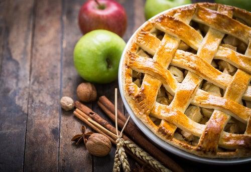 Uno de los postres para diabéticos preferidos es el pie de manzana y canela.