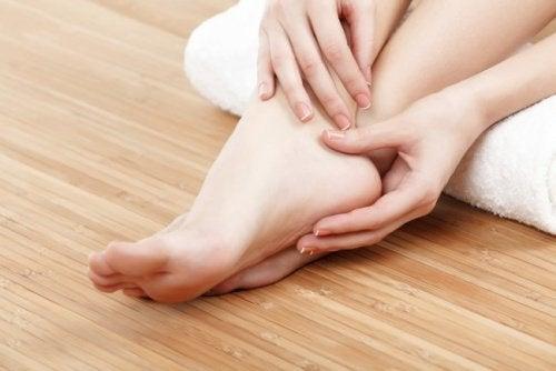 Para los embarazo en remedio el hinchados pies