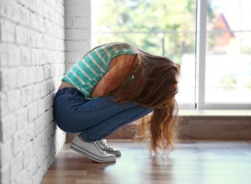Los complejos propios de la adolescencia causan ansiedad y estrés en ellos.