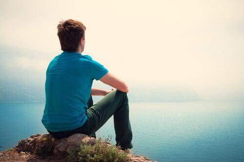 ¿Cómo afecta la soledad en la adolescencia?