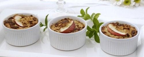 El suflé de plátano y manzana es una excelente opción para las personas celíacas.