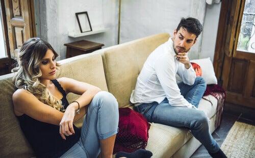 LAs tensiones de pareja pueden desaparecer gracias al diálogo.