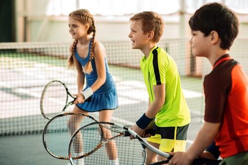 Es recomendable que todos los niños practiquen deporte.