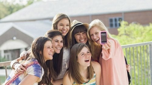 Peligros de las redes sociales en la adolescencia