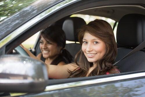 Los jóvenes son protagonistas de muchos accidentes viales hoy en día.