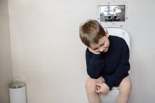 Certains enfants peuvent même avoir une phobie d'aller aux toilettes en raison d'une formation précoce.