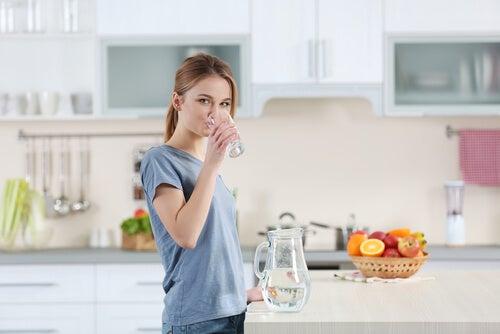 Durante la fase folicular hay que mantenerse hidratado.