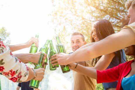10 claves para prevenir el alcoholismo en jóvenes