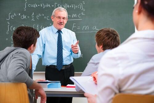 Un buen profesor se preocupa por todos sus alumnos por igual.