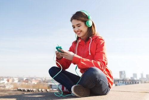Como influye la música en la adolescencia