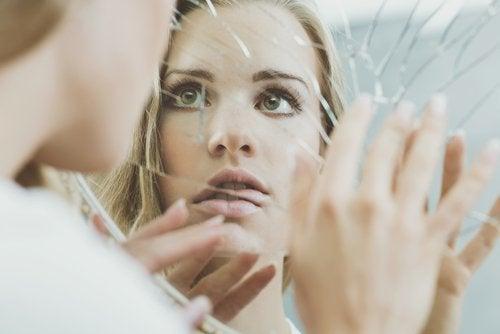 Cómo influyen los cánones de belleza en los adolescentes