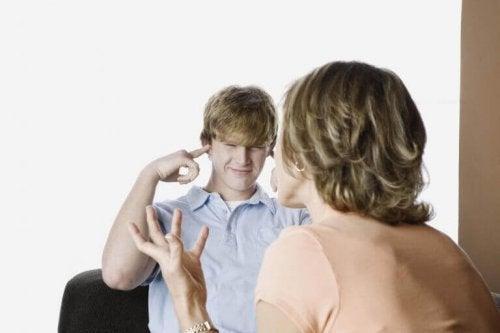 5 señales de rebeldía en la adolescencia y qué hacer ante ellas