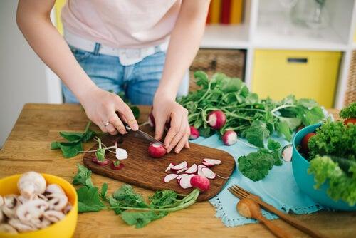 Una dieta saludable forma parte de los hábitos que favorecen la concepción.