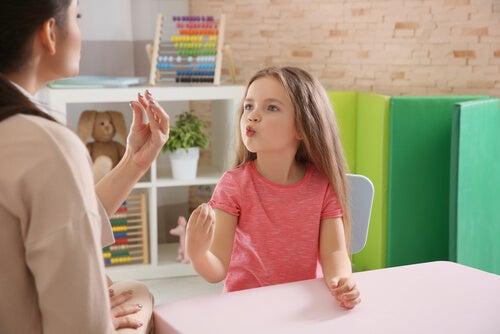 ¿Conoces al especialista en audición y lenguaje?