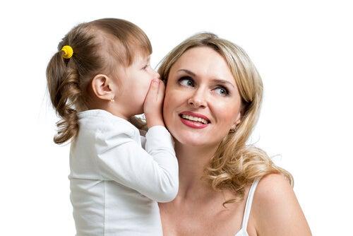 El desarrollo del lenguaje en niños de entre 0 y 6 años comprende varias etapas.