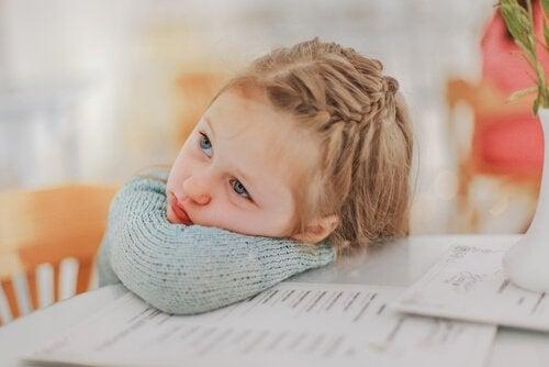 Factores que condicionan el rendimiento escolar