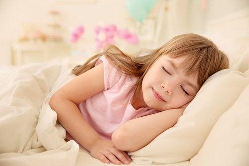 ¿Cuánto tiempo necesita dormir tu hijo?