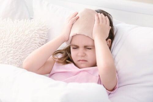 Les maux de tête sont une forme fréquente de douleur infantile chronique.