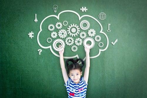 Los ejercicios de mindfulness para niños repercuten en su creatividad y rendimiento escolar.