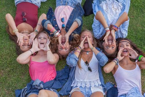 Beneficios de los campamentos de verano urbanos para tus hijos