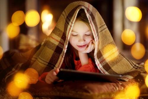 Las películas navideñas para niños ayudan a revivir su espíritu en esta época del año.