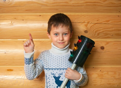 La técnica del semáforo para controlar las emociones en niños