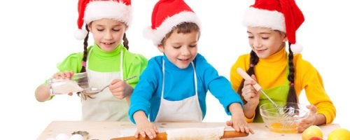 Cocinar en familia es uno de los mejores planes para Navidad.