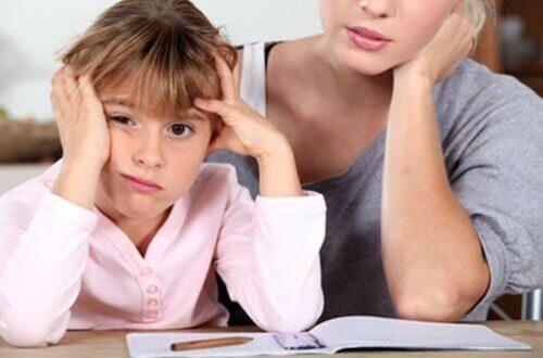 Los problemas de aprendizaje en niños pueden ser una causa de frustración para ellos y sus padres.