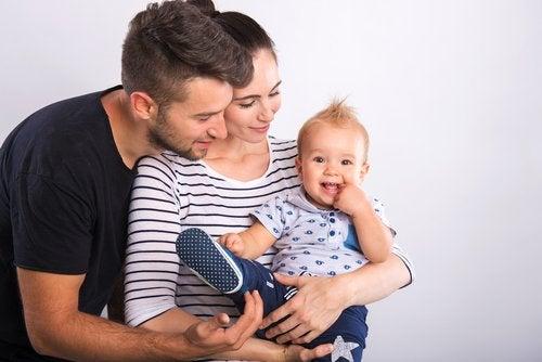 Los hábitos efectivos de crianza hacen familias más unidas y felices.
