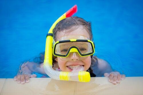 EL submarinismo para niños es un deporte muy recomendable.