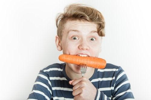 Un adolescente vegetariano debe suplir sus requerimientos nutricionales con una dieta completa.