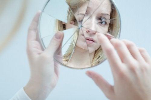 La adolescencia es una etapa de profundos cambios en la apariencia.