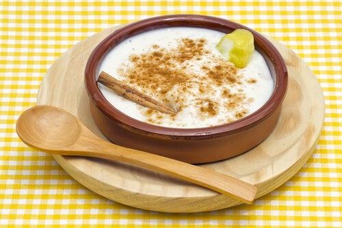El arroz con leche es una de las recetas dulces más saludables.