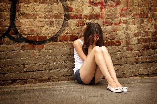 La depresión en la adolescencia puede tener diferentes causas.
