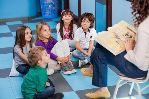 Los cuentos para niños son una forma de hacer que aprendan valores importantes.