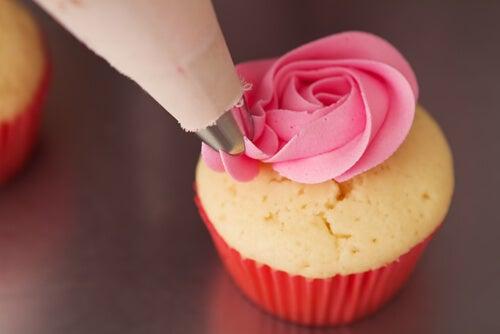 Los pastelitos son una de las recetas para cumpleaños que nunca fallan.