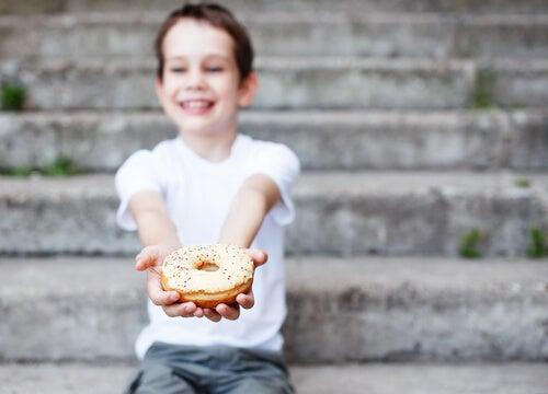 Las donuts les encantan a los niños.