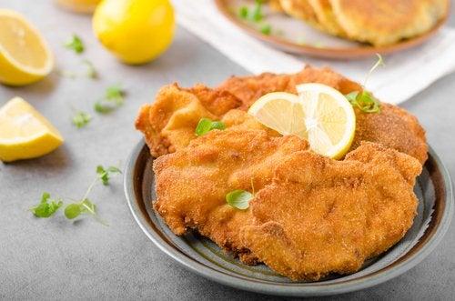 El escalope de pollo es una de las más deliciosas recetas en 15 minutos que puedes encontrar.