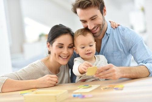 Muchos padres recurren al turismo reproductivo para formar una familia.