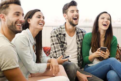 ¿Cómo mantener el equilibrio entre familia y vida social?