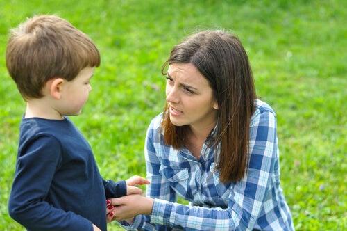 Una madre presente evita la aparición de sentimientos de rechazo en el niño.