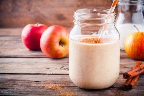 Entre los batidos ideales para el embarazo, la manzana es un ingrediente casi infaltable.
