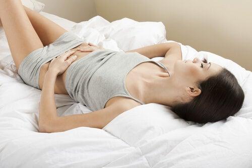 La menstruación muchas veces genera dolores fuertes.