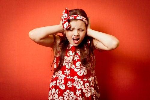 La claustrofobia en niños puede causar ataques de pánico.