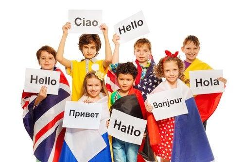 Claves para criar niños bilingües.
