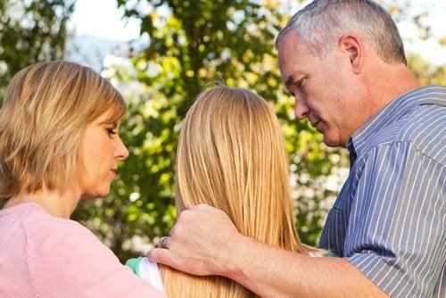 Educar adolescentes requiere de diálogo y comprensión.