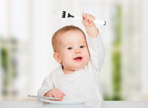 10 alimentos que no deberías darle al bebé