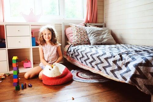 ¿Cómo enseñar a un niño a ordenar las cosas de una manera sencilla?